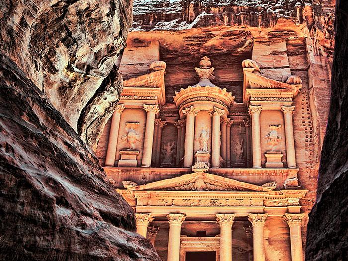 פטרה, חזנה, הסלע האדום, טיול מאורגן לירדן, טיולים לפטרה, הסיק, בירת הנבטים
